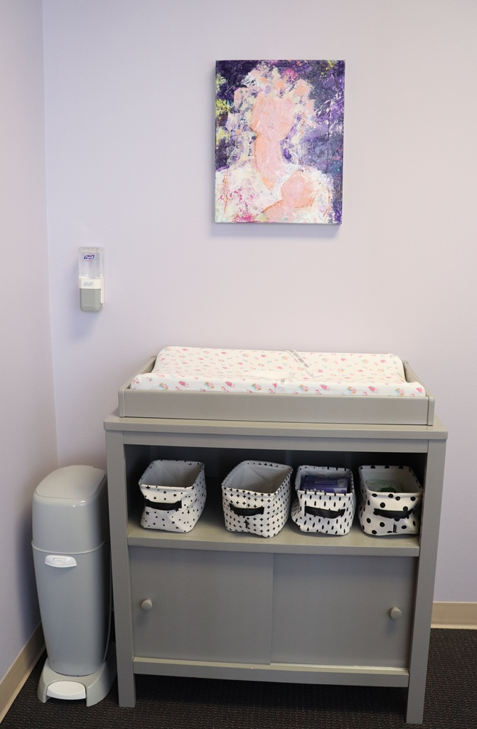 The Sarasota Chapter of the Florida Association for Women Lawyers (FAWL)cut the ribbon on a new Lactation Room at the Judge Lynn N. Silvertooth Judicial Center in Sarasota. The nursing room will be open to any courthouse visitor.